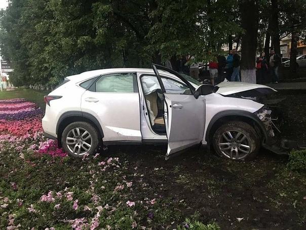 момент ДТП со смертельным исходом: погиб водитель   В...