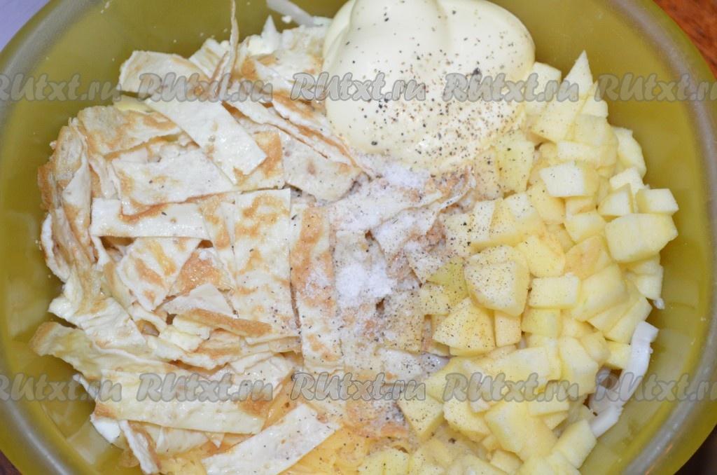 Салат с яичными блинчиками и кальмарами от Наташи Чагай