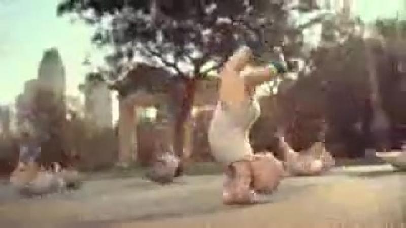Малышки-танцоры)