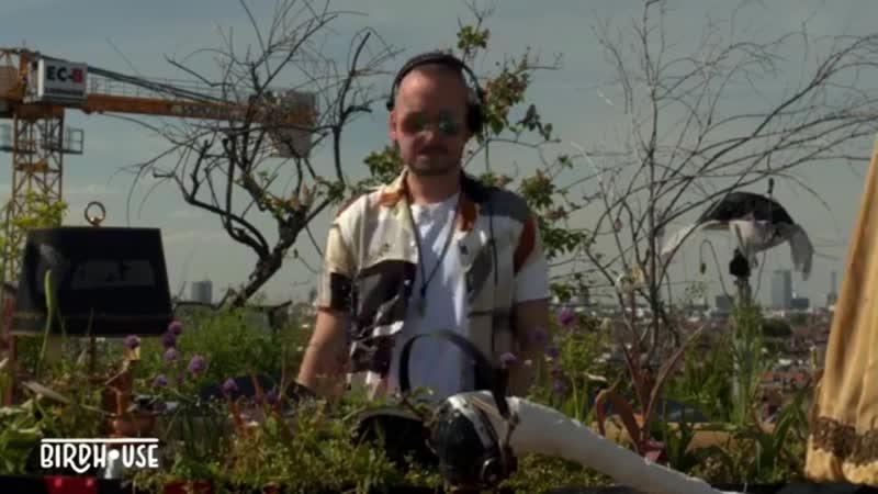Marc DePulse играет трек Lessovsky Voyage Birdhouse from Berlin
