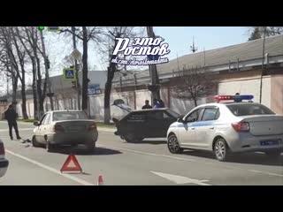 Массовое ДТП на Шолохова. Столкнулись 4 автомобиля  -  - Это Ростов-на-Дону!