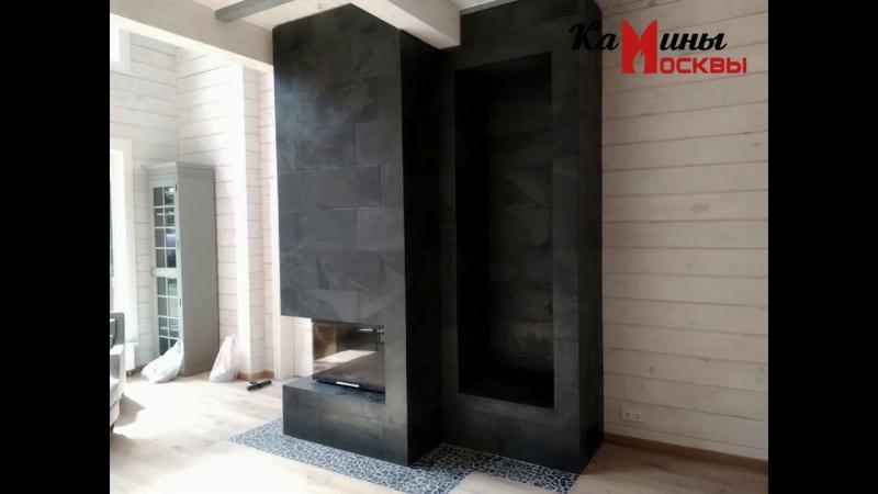 Камин в современном стиле облицован натуральным сланцем Black Graphite