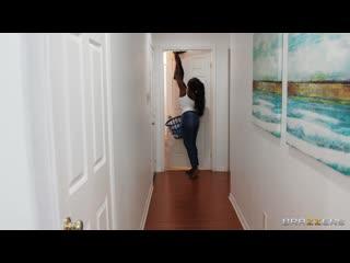 2020-11-11 Osa Lovely - Sneaky milf fucks in shower