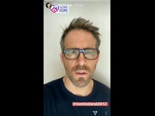 Райан Рейнольдс отвечает на челлендж Тома Холланда