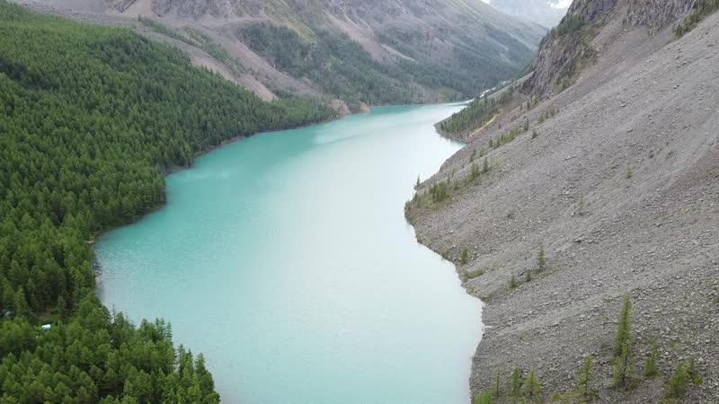 у края озера
