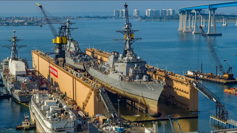 BAE Systems Simultaneously Docks Two U S Navy Destroyers