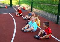 Представляем Вам наши летние тренировочные площадки.летнюю Футбольное поле при школе № 112, по адресу Свободы, 193.