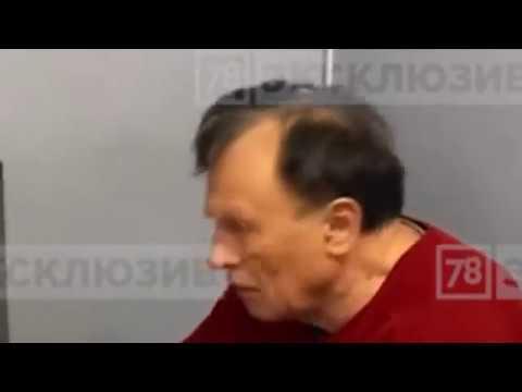 Маэстро Понасенков танцует под голосование после очередной победы над букашкой