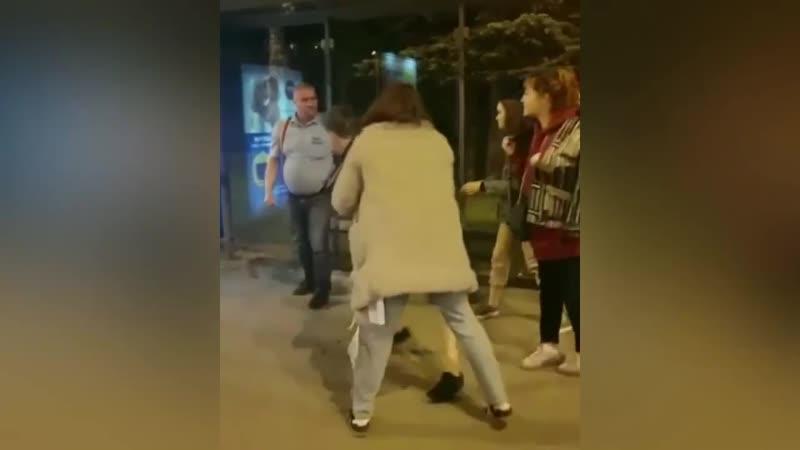 Водитель автобуса замесился с подростком