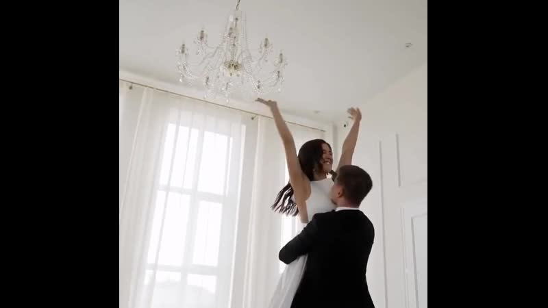 Влюблённые по настоящему вдохновляют на самые красивые свадебные истории🤍⠀Каждая пара совершенно уникальна со своими чувств