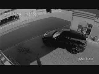 У рэпера LOne угнали автомобиль на заправке
