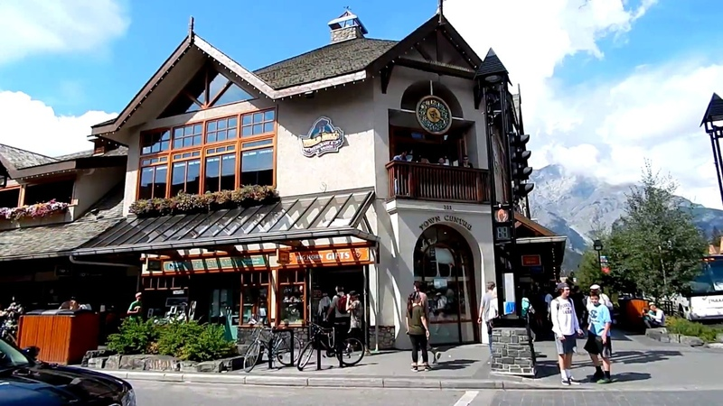AWESOME Banff Town Streets and Shops Walking in Summer Awesome Summer Day 1