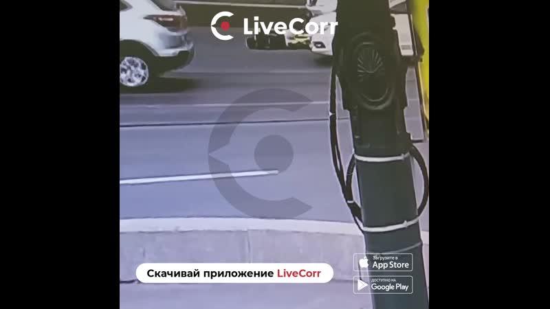 Велосипедиста подмял под себя внедорожник в Санкт-Петербурге