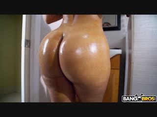 Трахает в киску брюнетку с сочными прелестями, busty girl woman bubble ass butt sex fuck porn love tits hip cute (Hot&Horny)