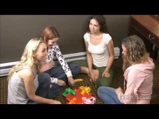 093. Голодные Бегемотики на раздевание со Стэйси, Эдди, Лили и Мэри (HD-качество)