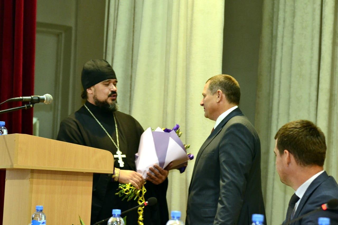 Поздравление с инаугурацией главы сельского поселения станицы Старотитаровская
