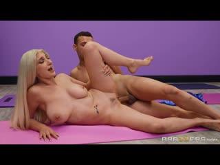 Skylar Vox - Stretching Skylar Out порно porno