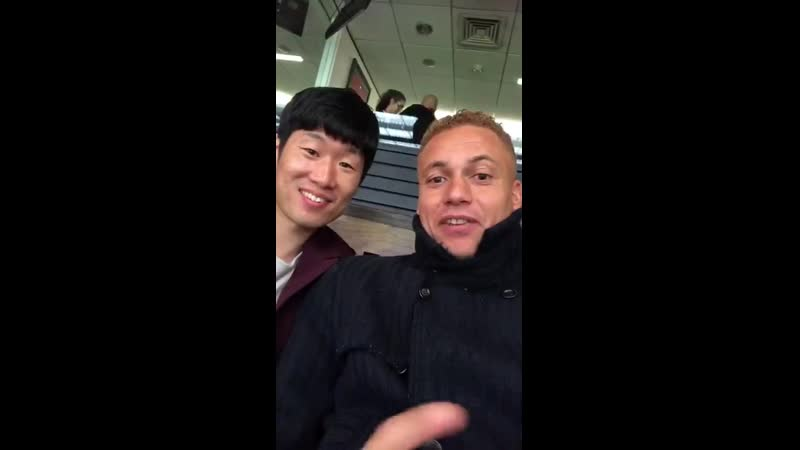 Just a couple of ex-Reds checking in - - MUFC MUNLIV