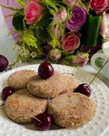 id_51625 Шоколадные сырники 🥞  Ингредиенты: ⠀ Творог — 400 г Яйцо — 1 шт. Манка — 2 ст. л.  Манка — для обваливания сырников Мука — 1 ст. л. Сахар — 3 ст. л. Какао — 1 ст. л.  Автор: aniskina__maria  #gif@bon