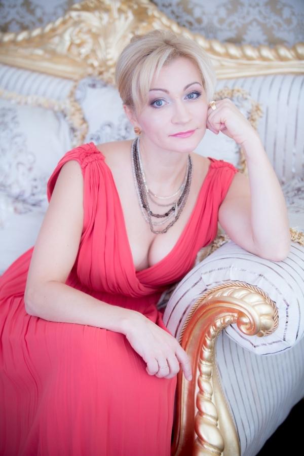 Фото подборка с актрисой Анной Якуниной.