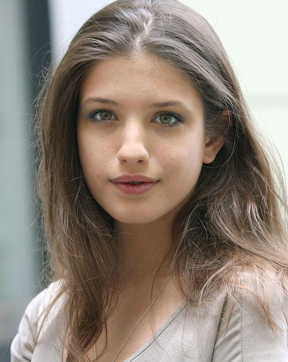 Сегодня свой день рождения отмечает Чиповская Анна Борисовна.