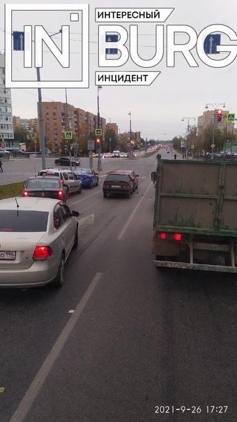 На перекрёстке Токарей — Татищева произошло ДТППо ...