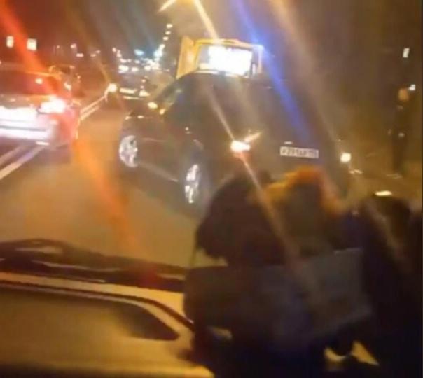 В Петергофе пьяный водитель на «Мерседесе» насмерт...