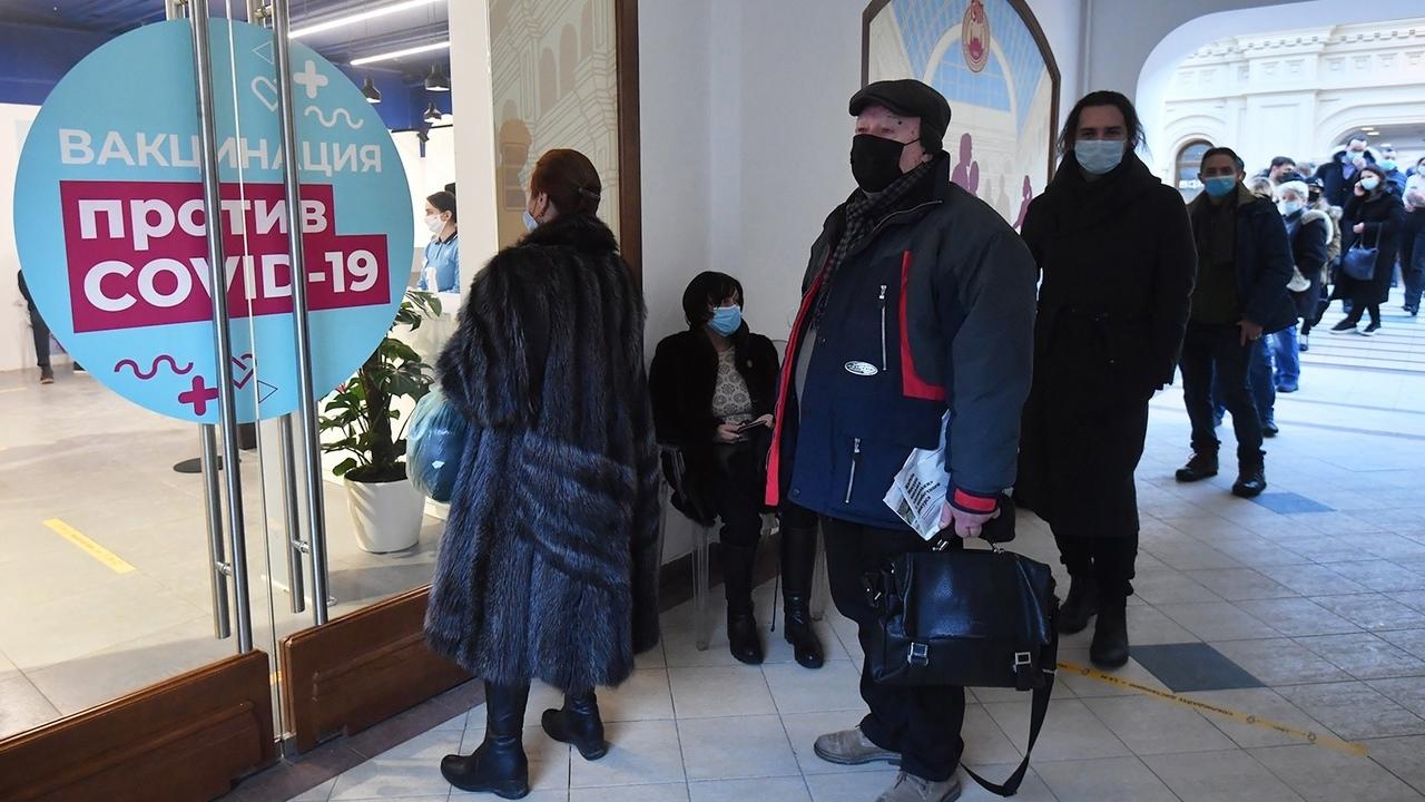 Член РАН предложил ввести в России ежемесячные штрафы за отказ от вакцинации