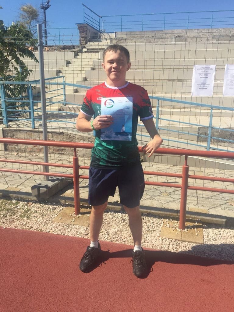 Можгинский легкоатлет Евгений Калаев взял серебро на