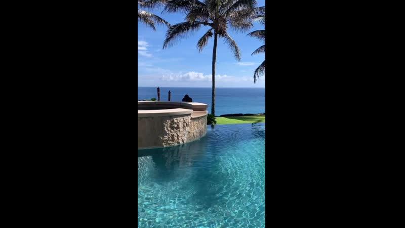 Lauravanfit pool day 🔥🍑