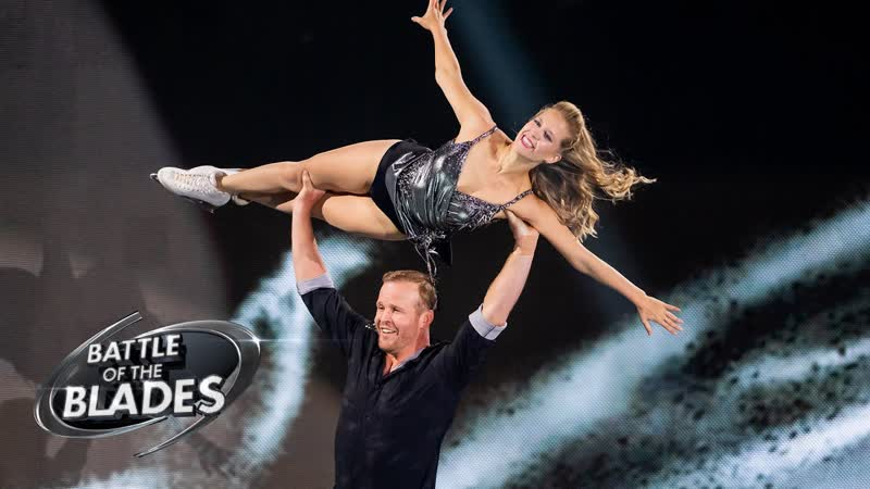 Kaitlyn Weaver and Bryan Bickell perform to 'Knocking at the Door' Battle of the Blades S06E01