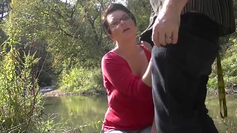 Подрочила любовнику на природе Секс Квартал