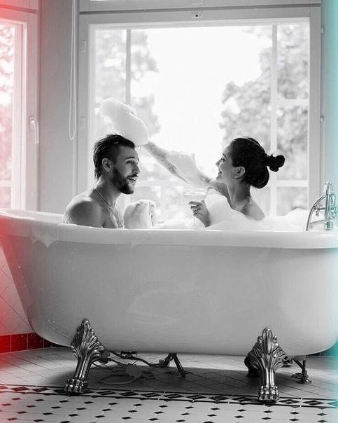 romantic bathtub hair fire - 736×919