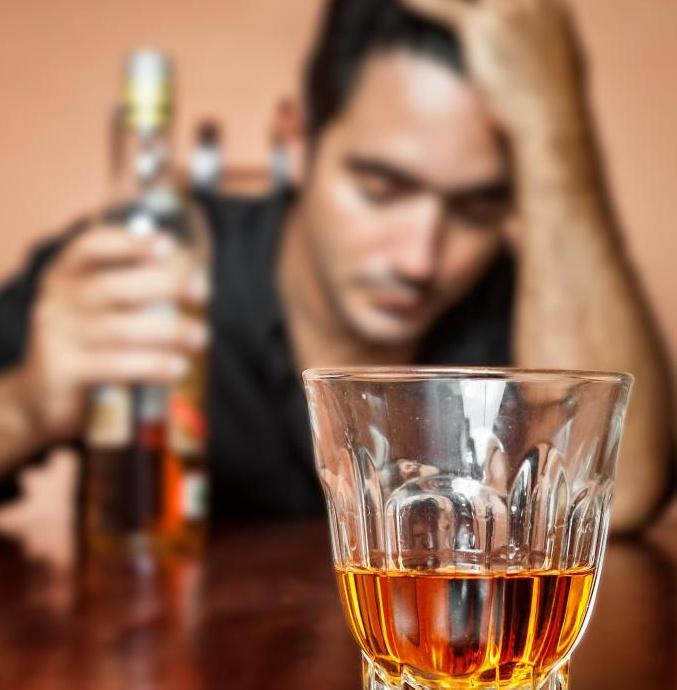 Во многих приютах для женщин и бездомных работают консультанты по вопросам злоупотребления наркотиками и алкоголем.