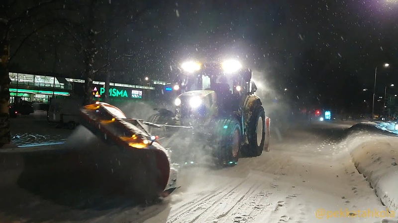 Plowing a bicycle path. Slow TV from Oulu, Finland